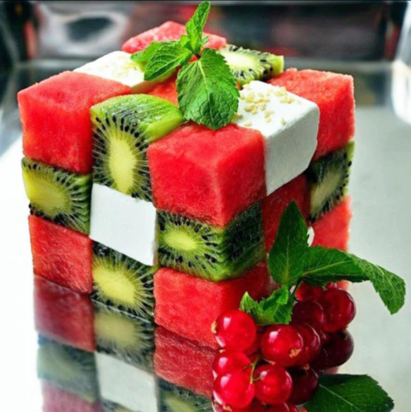 Ensalada cubo de Rubik sandia y kiwi