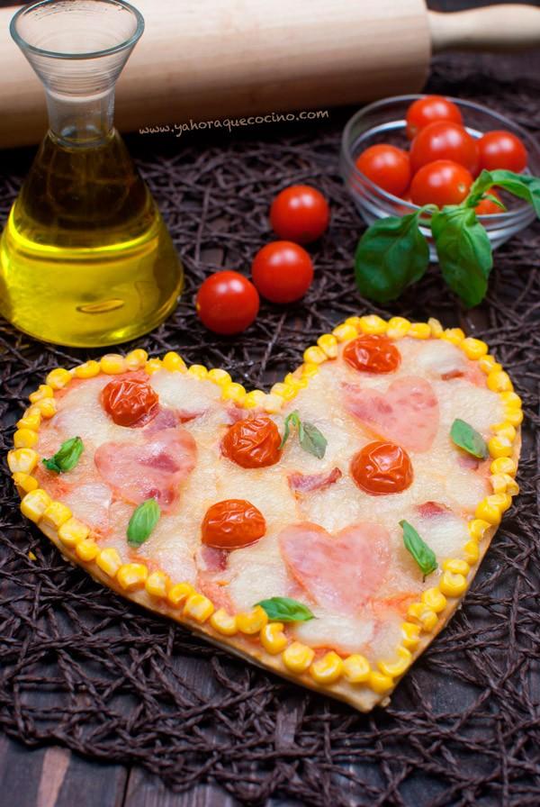 Pizza-Casera-con-forma-de-corazon-San-Valentin