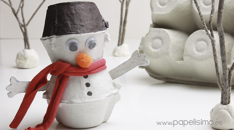Muñeco de nieve con caja de huevos - PAPELISIMO
