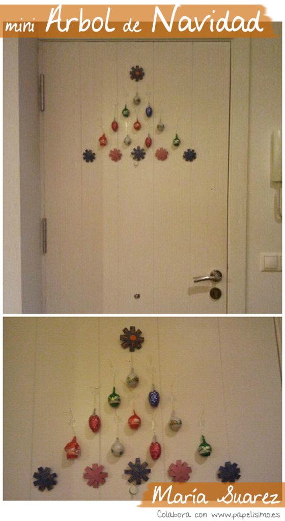 arbol de navidad en puerta