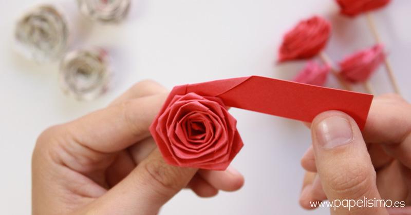 como-hacer-rosas-con-tira-de-papel-paper-quilling-Rose