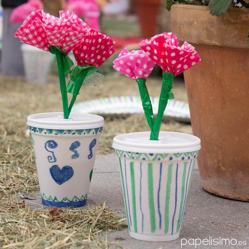 Flores-de-papel-en-macetas-hechas-con-vasos-de-cafe-Manualidades-infantiles-Reciclaje