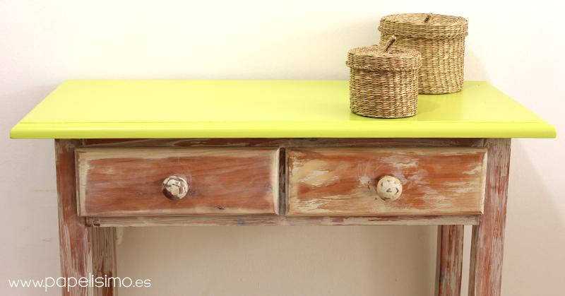 C mo pintar muebles efecto envejecido p tina papelisimo for Como restaurar un mueble vintage