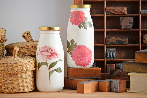 Botella-decorada-con-decoupage---Milk-Bottles