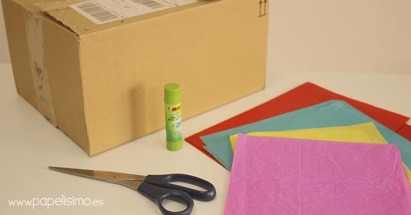 Piñata con caja de carton y materiales reciclados