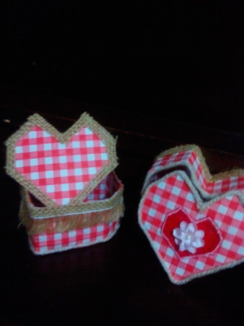 Caja-de-corazón-decorada-con-tela